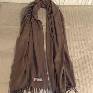Pashmina / scarf